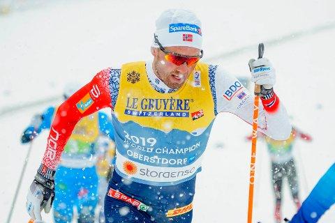 GULL: Emil Iversen og Norge sikret stafett-gull under VM i Oberstdorf fredag ettermiddag.