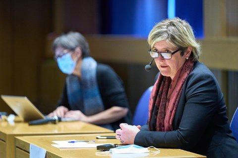 FIRE DØGN TIL: Ordfører Anne Berit Lein (Sp) ber innbyggerne i Steinkjer om å holde ut i fire døgn til, før kommunen kan åpne opp og går over til nasjonale tiltak.