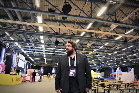 Adrian Lyng Malmo er i dag avdelingsleder i skole, og er en av søkerne til stillingen som rektor ved Verdalsøra ungdomsskole