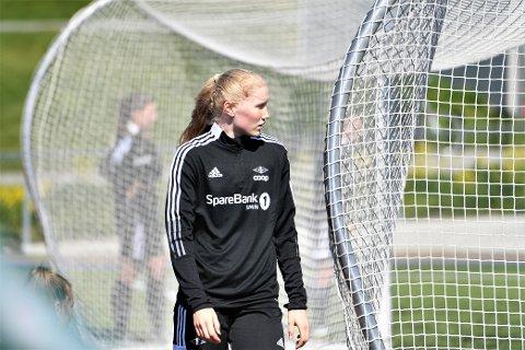 AMBISJONER: Synne Brønstad vil spille seg til en startplass i RBK-elleveren: - Det må være målet på sikt i hvert fall, sier Brønstad.