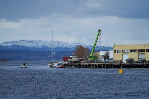 Levanger havn. Båt. Båtliv.  Levanger sentrum.