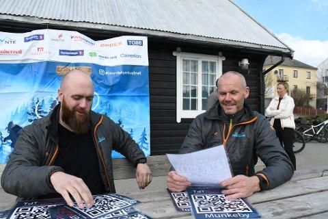 TDTQR: Jonas Aarmo (daglig leder Tour de Tomtvatnet) og Olav Midtsian Salater (styreleder TDT) håper QR-konseptet slår an.