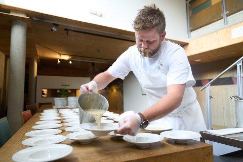 GODT BESØK: Scandic Stiklestad, her representert ved kokk Morten Nordli, har hatt fullt hus store deler av sommeren.