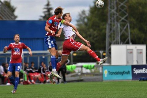 TETT: Arne Gunnes og LFK kunne ha tatt med seg tre poeng topplaget Skeid, i stedet ble det et bittert 2-1-nederlag.