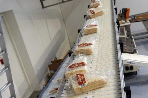 ARBEIDSULYKKE: En ansatt på Lierne Baxt, der de blant annet produserer lefser, ble i begynnelsen av juli sendt til sykehus med klemskade.