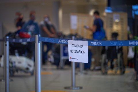 NYE RESTRIKSJONER: Kreta, Spania og Nederland er nå mørkerøde, noe som betyr karantenehotell for reisende når de kommer til Norge. Fra før av gjelder de samme kravene Kypros og Storbritannia. Både Spania og Nederland har direkteruter til Værnes.