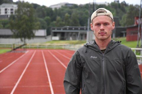 SKAL UT PÅ TUR: Andreas Vollmo ligger ikke på latsiden i ferien. 24-åringen skal nå jogge distansen Levanger - Oslo på åtte dager.
