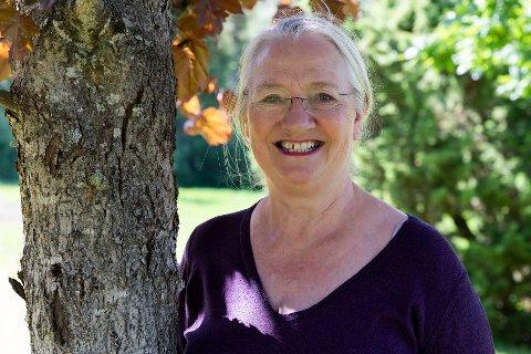 PRIMUS MOTOR: Ingri Angell-Petersen Grønnesby (68) har drevet med teater på Steinkjer i mange år. Hun er damen bak Silkeskjegg på Egge, og Steinkjer teaterverksted, og hun har jobbet mye med kulturskolen i Steinkjer. Hun har masse energi og kommer til å holde på så lenge folk er engasjerte og hun er frisk og rask. Likevel sier hun at det trengs en ny, ung lærer i miljøet. Og at det burde bli mer teater og dans på skolene i området!