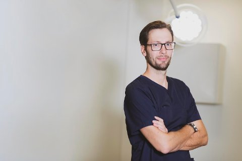 PRIVAT PRAKSIS: Urolog Vegar Karlsen utfører sterilisering av menn. Private helseaktører står for langt på vei de fleste av steriliseringene som utføres.