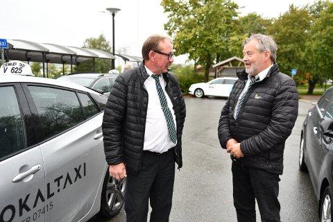 SKOLEKJØRING: Robert Lilleby i Steinkjer Taxi og Odd-Leiv Thun i Verran og Beitstad Taxi vil ha bedre betalt betalt for skolekjøringa. Får de ikke det stopper all skolekjøring på store deler av Innherred førstkommende torsdag klokka 12.