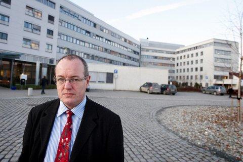 EDRUELIG: Gunnar Bovim tidligere direktør Helse Midt-Norge mener politikerne burde garantere god kvalitet i 2030, sykehusstruktur burde de derimot være litt mer ydmyke overfor.