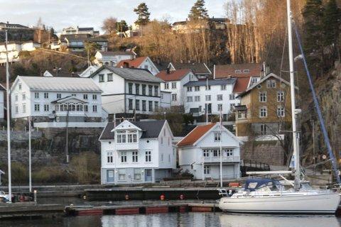 Tvedestrand: Neste år må alle hus- og hytteeiere i Tvedestrand betale eiendomsskatt.Konsulenten som ansettes, skal blant annet stå for utskrivingen av den nye skatten.Illustrasjonsfoto