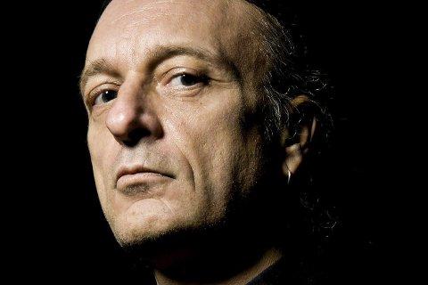 Jørn Stubberud: Mayhem-bassisten forteller om boka «Dødsarkiv» på rådhuset lørdag kveld.