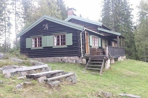 Bygd på dugnad: Denne hytta i Lillomarka ble bygd av studenter  fra Sørlandet og sto ferdig i 1939.