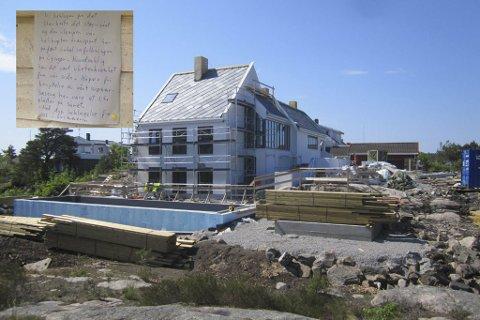 Eierne av dette nybygde huset på Odden i Lyngør, har angivelig invitert Lyngørs befolkning til fri benyttelse av deres nye svømmebasseng som kompensasjon for helikopterstøyen under byggingen (se innfelt brev). - En dårlig spøk, mener huseiernes arkitekt. Arkivfoto