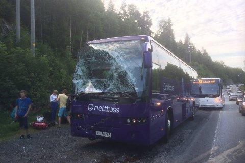 Ingen passasjerer skal ha kommet til skade.