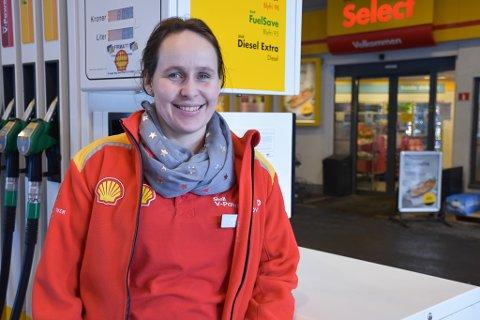 Lillian Christensen har alltid vært bilinterresert, og hun stortives med å jobbe på Shell.