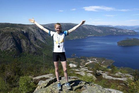 På toppen: 18-årige Lucia Philipp fra Songe har hatt en fantastisk sesong. Her er hun på Skuggenatten, hvor hun vil være med på NM i motbakkeløp neste år. Arkivfoto