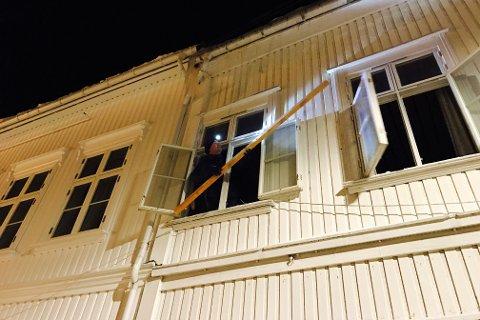 Huseier rykket umiddlebart ut og fjernet istappene.