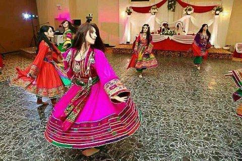 Fereshte Rezai lærer bort en blanding av afghansk, hindisk, tyrkisk og arabisk dans.