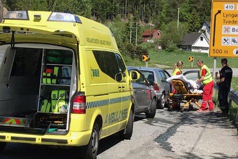 En bil har kjørt inn i en annen bil bakfra. Foto: Anne K. Dehli