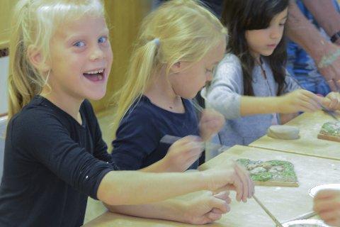 Firing Up: Norske Kunsthåndverkere har som mål å vekke interesse for keramikk hos barn og unge med prosjektet Firing Up. Dypvåg skole var én av bare tolv skoler i hele landet som deltok i fjor. Nå stilles elevarbeidene fra Dypvåg ut i Galleri Format i Oslo. Galleriet anses som ledende i Norge for samtidskunsthåndverk.Arkivfoto