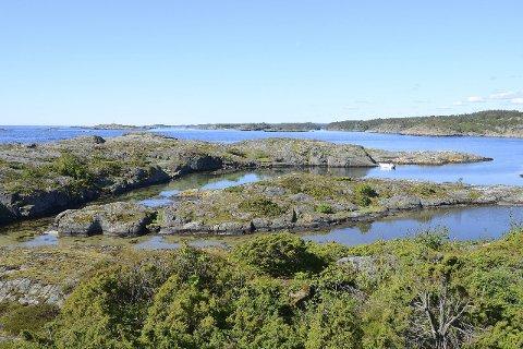 Spekbukta: En lun, grunn lagune på sørvestsiden av Spekholmen skiller nesten Speken fra resten av Ytre Lyngør. Foto: Øivind Berg/SSR