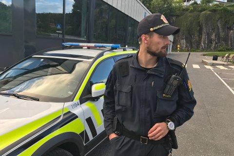 Politiet etterlyser personer som var vitne til trusselsituasjonen i Tvedestrand søndag kveld.
