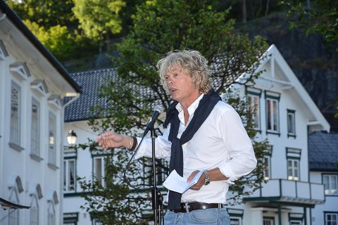 Forfatter Vetle Lid Larssen holdt åpningstalen for Kystkulturuka.