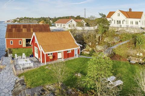 Øytangen 10 og 11:  Lyngør-eiendommene ble lagt ut for salg i mai, med en samlet prisantydning på 36 millioner kroner. Foto: Sem & Johnsen Eiendomsmegling.