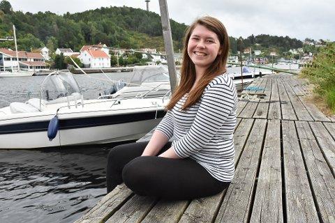 Emilia Eikenes bor for tiden i Arendal.