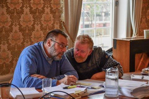 Jan Monrad (th) og hans advokat Bjørgulv Rygnestad på rettsmøtet i rådhuset i Tvedestrand onsdag.