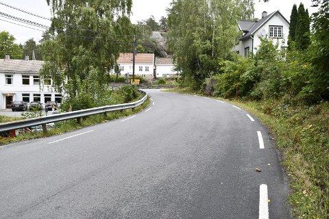 Trafikkfarlig: Mange kjører svært fort forbi Dypvåg skole. Takket være FAUs innsats vil det allerede til uken bli iverksatt flere trafikksikkerhetstiltak. Arkivfoto