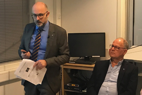 Rådmann Jarle Bjørn Hanken og assisterende rådmann Øyvind Johannesen la tirsdag ettermiddag i fellesskap frem administrasjonens forslag til 2019-budsjett og økonomiplan for de fire neste årene.