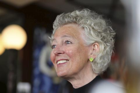 Avtroppende kultursjef i Risørs kultursjef, Jorunn Bøe, skal åpne årets litteraturfestival i Tvedestrand. Det synes hun er naturlig. Men hun synes det ville vært rart hvis Risør hadde bedt en kultursjef fra Tvedestrand om å åpne et kulturarrangement der.