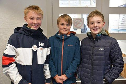 Gikk med bøsser i Tvedestrand: Benjamin Myklebustad Ruud (12), Mathias Brochmann (12) og Trygve Hagestad (11)