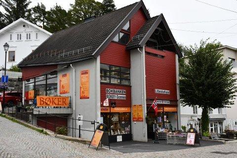 Litteraturhuset: Kort tid etter at Bokbyen overtok dette bygget i Tvedestrands sentrum, var konkursen i de to selskapene Bokbyen Drift og Stiftelsen Bokbyen et faktum.