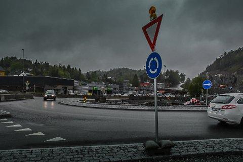 Kirsten Bjørnå mener forholdene ved rundkjøringen på Bergsmyr er uholdbare.