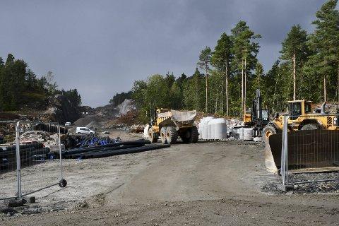 Genistreken: Arbeidet med den nye fylkesveien som skal bonde Grenstøl og Glastad sammen pågår for fullt.