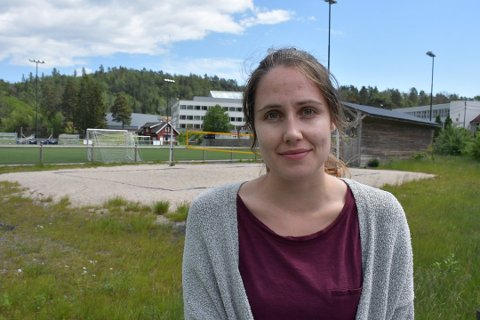 Iselin Dalen Moe, som er ungdomskontakt i Tvedestrand, bor i Gjerstad, der hun nå blir en av de yngste i et kvinnedominert kommunestyre. Arkivfoto