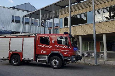 Østre Agder brannvesen i Tvedestrand har vært ute på mange automatiske brannalarmen til badstua i Lyngmyr de siste månedene.