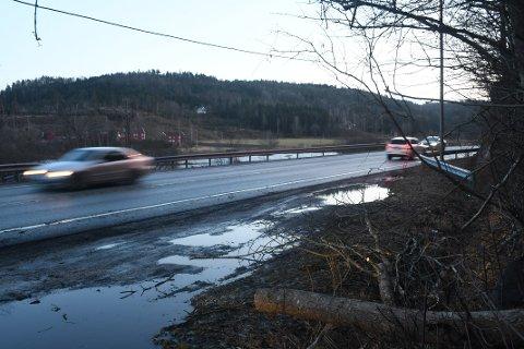 Politiet gjennomførte fartskontroll på Lundeslettene både fredag og mandag. Det resulterte i totalt 34 fartsbøter. Arkivfoto