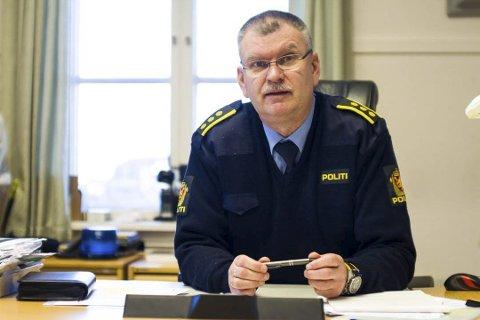 Lensmann Odd Holum holder i skrivende stund på å forfatte en pressemelding om likfunnet i Lyngør. Han ville si så mye før den er offentliggjort.