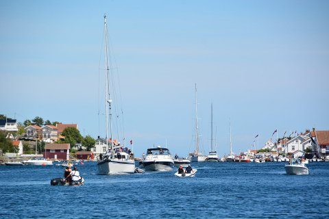 Sommer på sjøen: Det blir mye fint vær i dagene fremover, men litt skiftende.