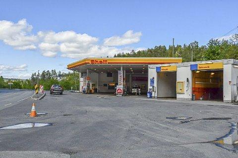 Ny driver: Lørdag overtar et nytt selskap ansvar for personal og daglig drift bed bensinstasjonen i Amtmannsvingen.