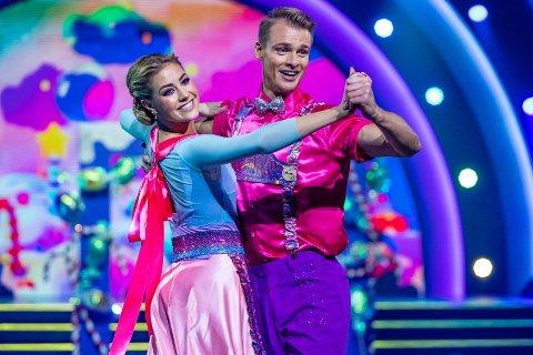 «Flosta-Helene» og hennes dansepartner Simon Nitsche fremførte eventyret om Hans og Grethe som en vakker dans i gårsdagens «Skal vi danse».
