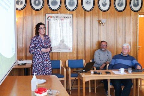 Enhetsleder for oppvekst Hildegunn Myre Dale og rektor ved Vegårshei skule Raine Alvestad orienterte kontrollutvalget om situasjonen ved skolen torsdag.