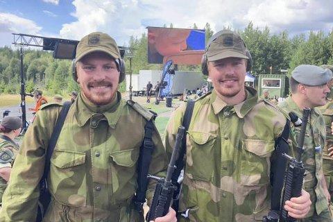 Treffsikre Brødre: Knut Martin (t.v.) og Gunnar Hølland Solvik gjorde det begge veldig bra på Mestermøtet i Elverum. Gunnar gikk helt til topps i felthurtigskyting. Foto: Magne Ingolf Madsen