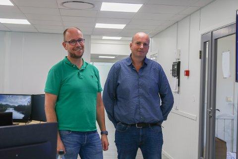 Ledelsen: Jørn Aarak (t.v.) er personalleder og driftssjef hos Multicom-konsernet, mens Tron Atle Løvig er en av grunnleggerne av Multicom. Det startet med én nettbutikk, nå har det blitt et konsern med fire forskjellige nettbutikker. Foto: Marianne Stene