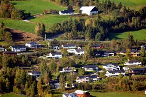 BOLIGUNDERSØKELSE: Det er stor etterspørsel etter tomter og boliger i Bagn. Nå har kommunen laget en spørreundersøkelse for å finne ut av hvordan folk vil bo i Sør-Aurdal.